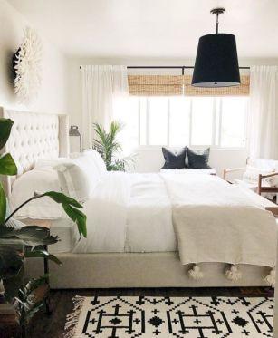 Unique white minimalist master bedroom design ideas 24