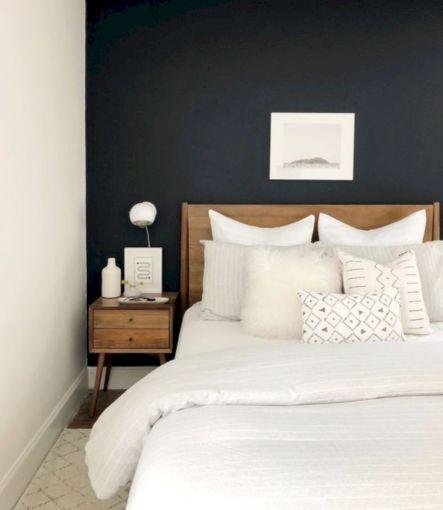Unique white minimalist master bedroom design ideas 42