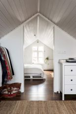 Charming bedroom design ideas in the attic 15