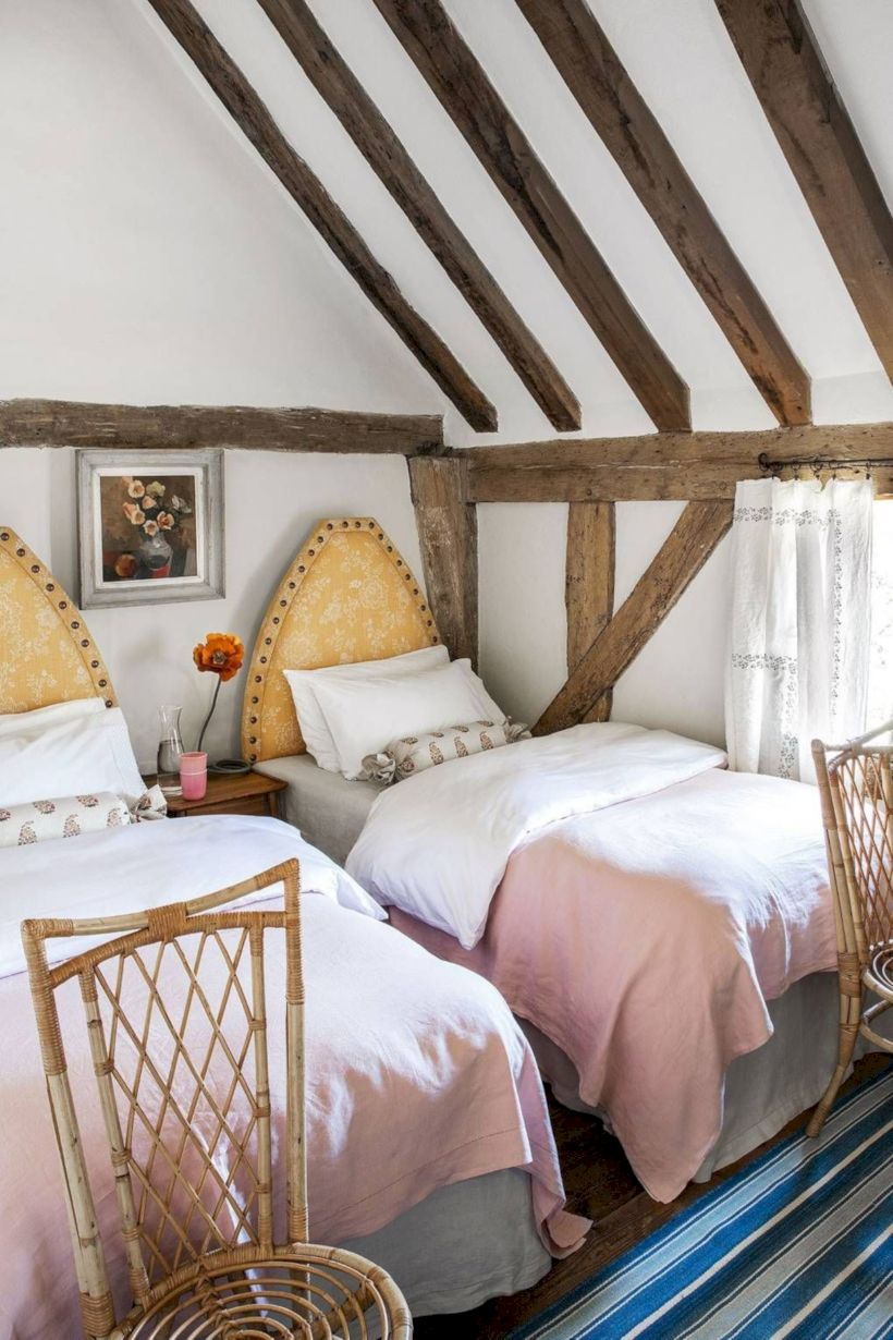 Charming bedroom design ideas in the attic 17