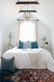 Charming bedroom design ideas in the attic 38