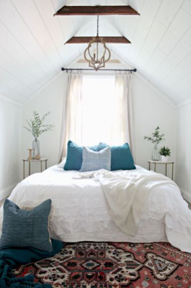 Charming bedroom design ideas in the attic 38