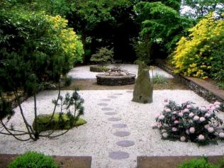 Outstanding japanese garden designs ideas for small space 46