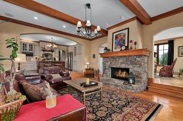 Attractive painted brick fireplaces ideas 29