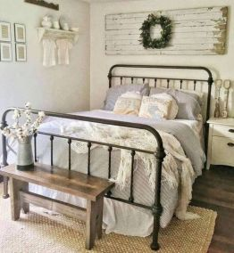 Inexpensive diy bedroom decorating ideas on a budget 03