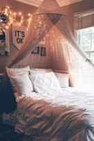 Inexpensive diy bedroom decorating ideas on a budget 38