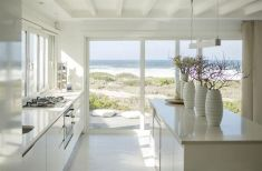 Latest coastal kitchen design ideas 18