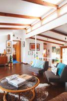 Unique mid century living room décor ideas 14