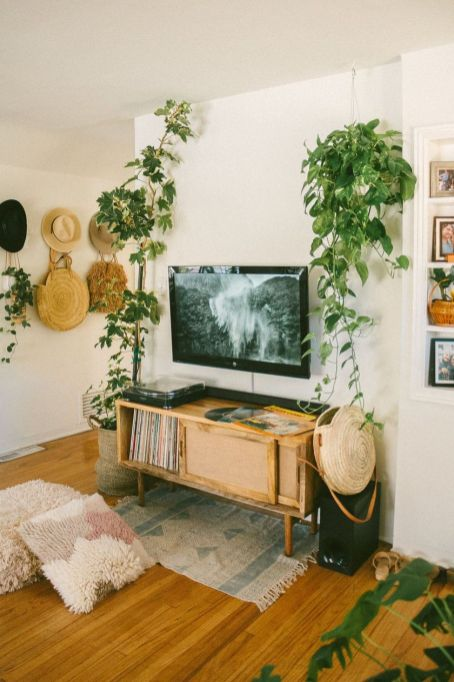 Adorable tv wall decor ideas 37