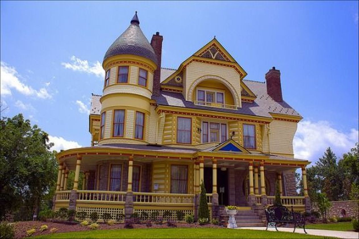 Affordable old house ideas look interesting for your home 33