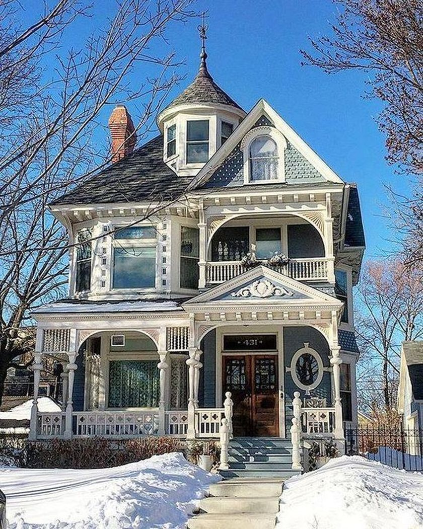 Amazing old houses design ideas will look elegant 15