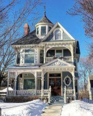 Amazing old houses design ideas will look elegant 15