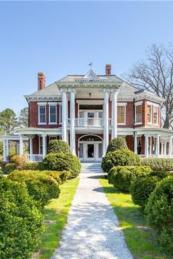 Amazing old houses design ideas will look elegant 26
