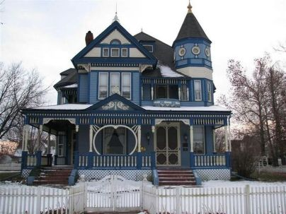 Amazing old houses design ideas will look elegant 40