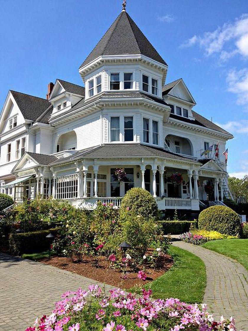 Amazing old houses design ideas will look elegant 49