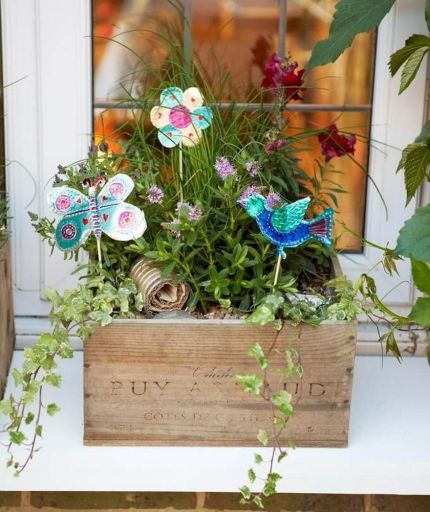 Attractive window box planter ideas to beautify up your home 09