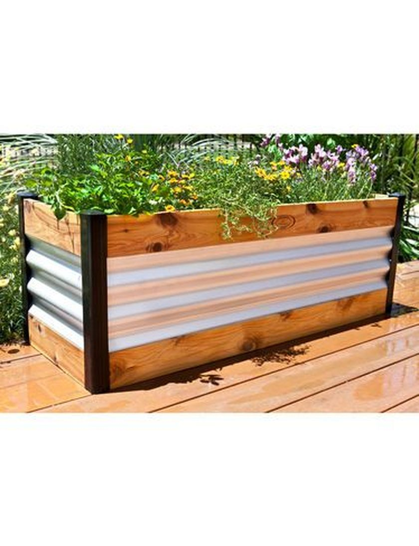 Attractive window box planter ideas to beautify up your home 13