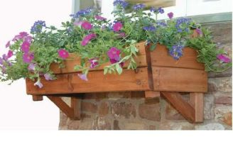 Attractive window box planter ideas to beautify up your home 15
