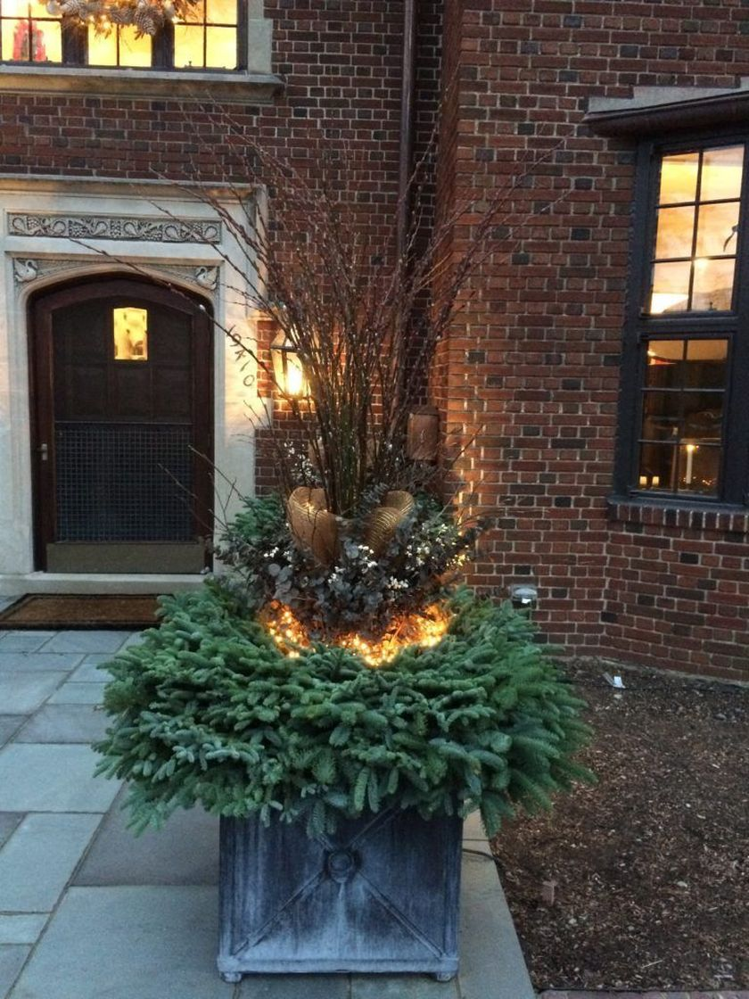 Attractive window box planter ideas to beautify up your home 36