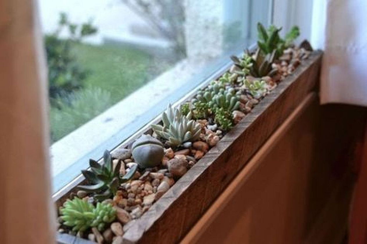 Attractive window box planter ideas to beautify up your home 39