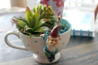 Impressive mini garden mug ideas to add beauty on your home 24