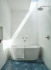 Stunning wet room design ideas 34