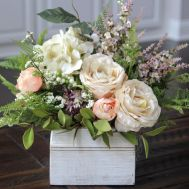 Stunning wood flower box ideas to beautify the flower decoration 02