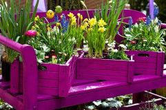 Stunning wood flower box ideas to beautify the flower decoration 11