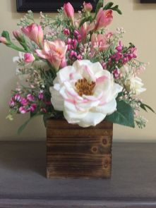 Stunning wood flower box ideas to beautify the flower decoration 12
