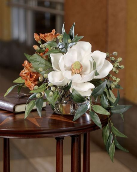Stunning wood flower box ideas to beautify the flower decoration 13