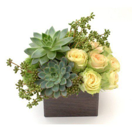 Stunning wood flower box ideas to beautify the flower decoration 26
