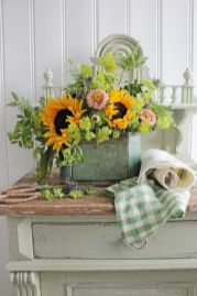 Stunning wood flower box ideas to beautify the flower decoration 28