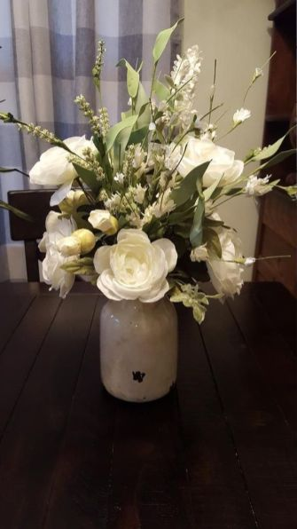 Stunning wood flower box ideas to beautify the flower decoration 33
