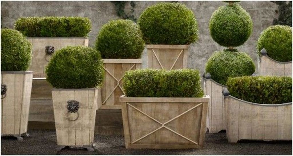 Stunning wood flower box ideas to beautify the flower decoration 39