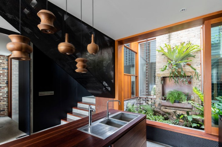 A-beautiful-house-with-black-modern-interior-4