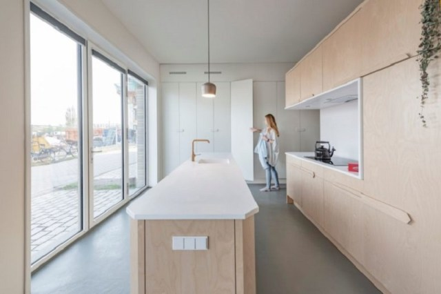 A-cool-small-loft-design-with-hidden-and-built-in-furniture-to-inspire-you-3
