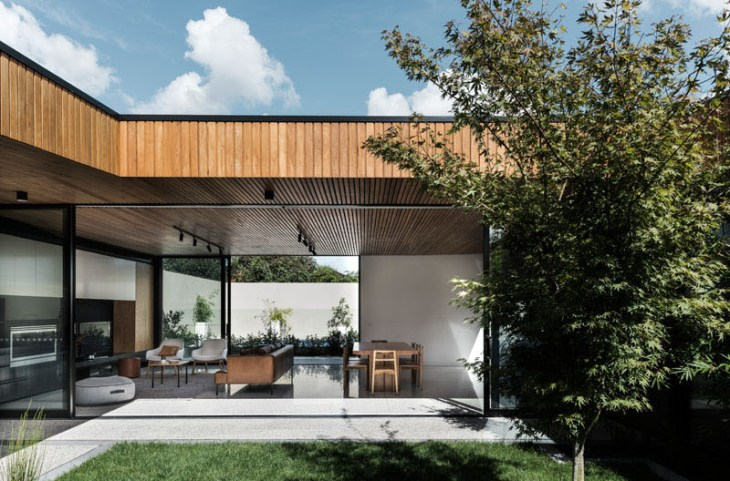 A-fabulous-courtyard-house-design-with-darks-brick-exterior-9