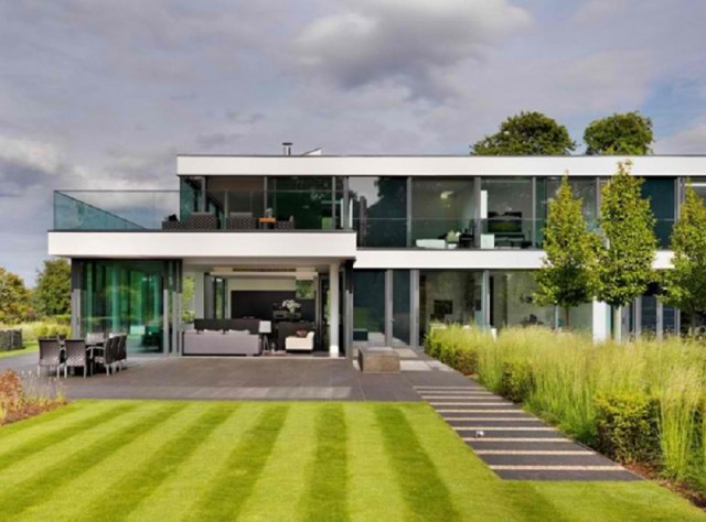 A-modern-country-house-with-magnificent-countryside-views-1