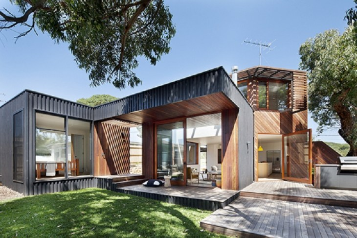 A-relaxed-and-playful-family-beach-house-that-anyone-will-love-1