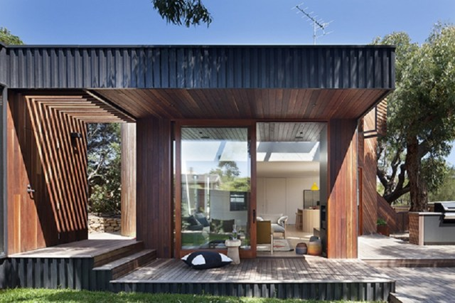 A-relaxed-and-playful-family-beach-house-that-anyone-will-love-2