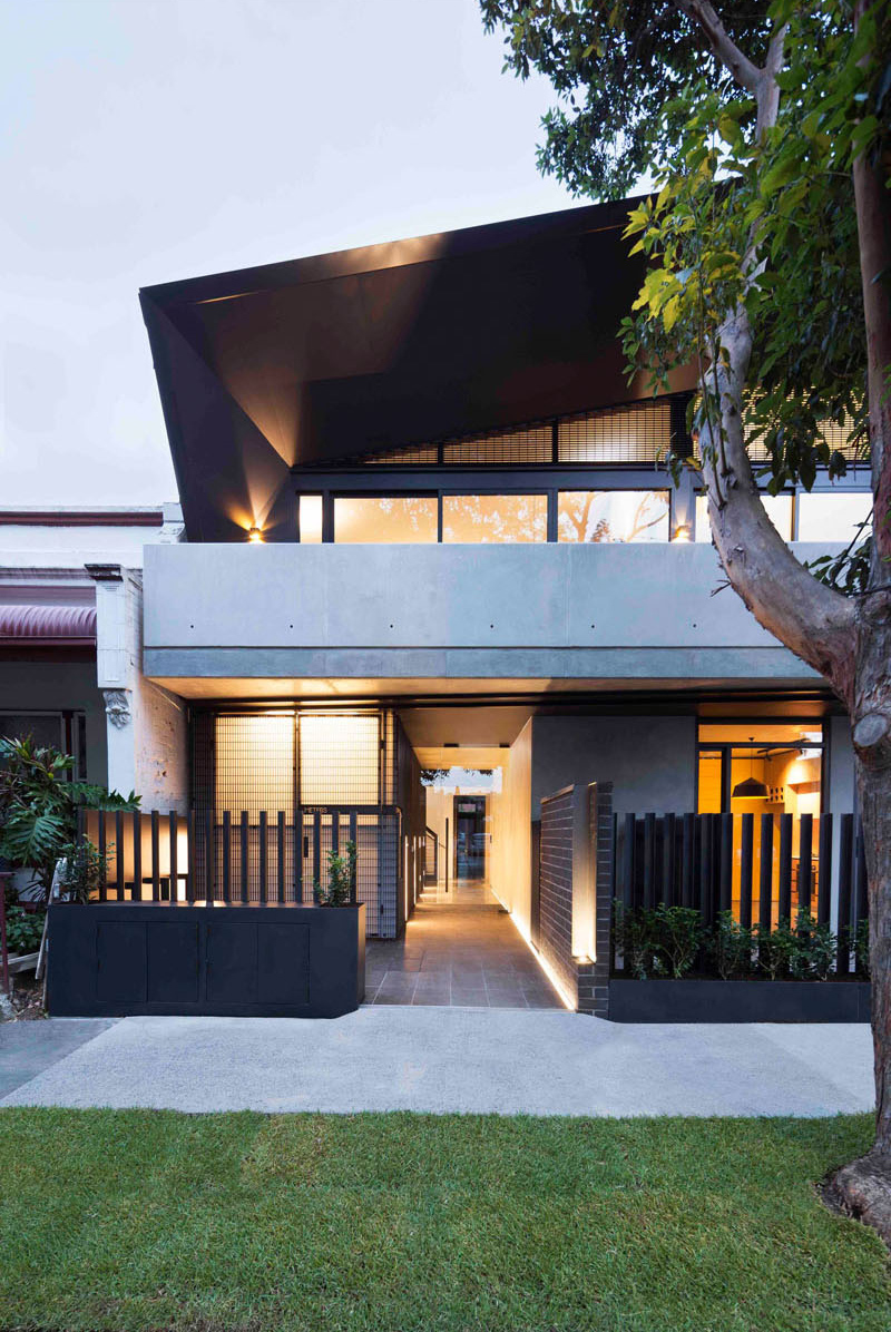 unique-apartment-design-which-appears-as-a-single-dwelling-1