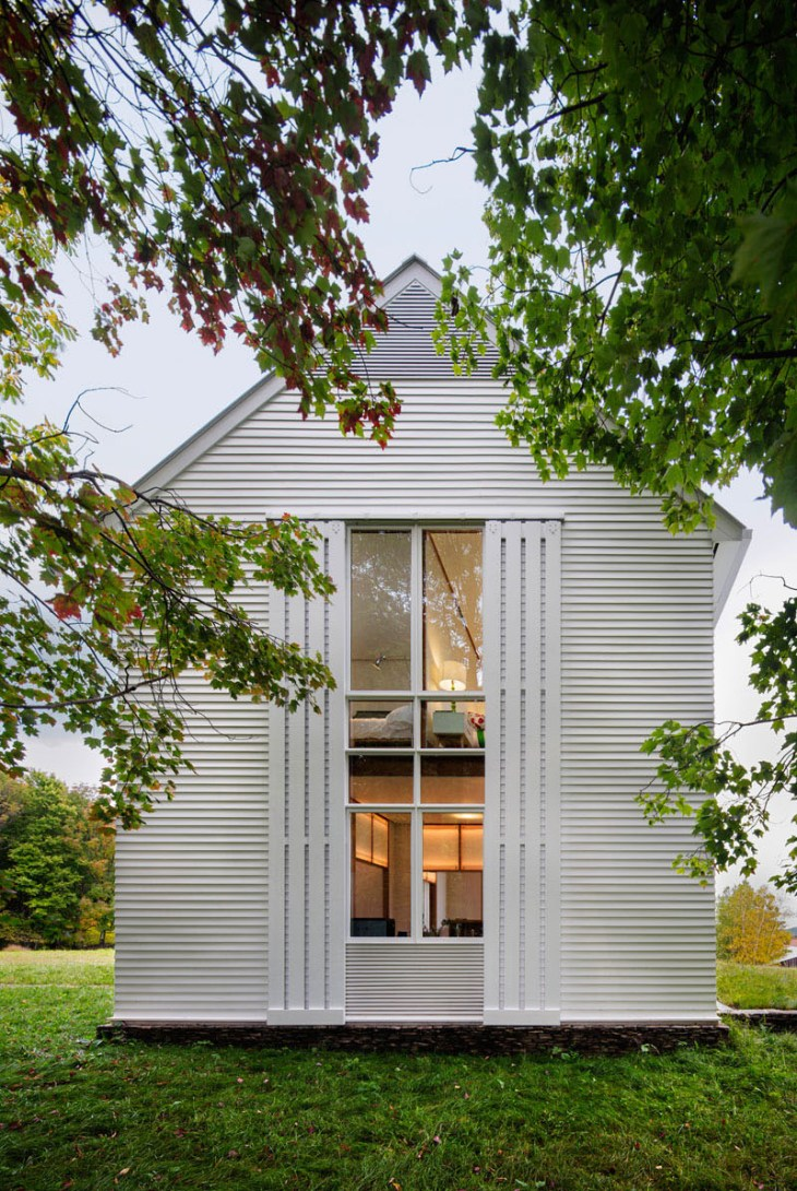 A-unique-farmhouse-building-with-rolling-sunshades-that-truly-amazing7