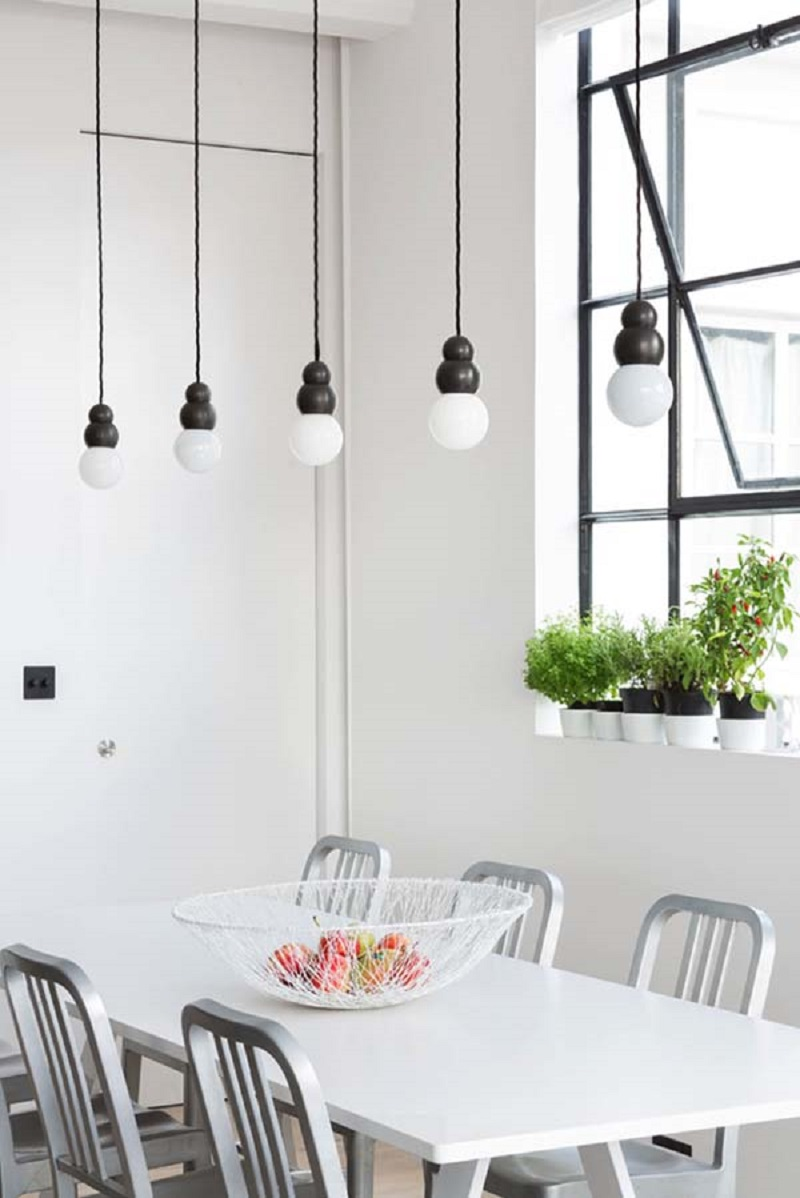 An-airy-apartment-with-industrial-features-all-around-that-will-change-your-mind-4