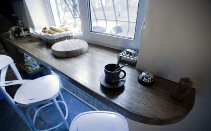 Rustic-breakfast-nook