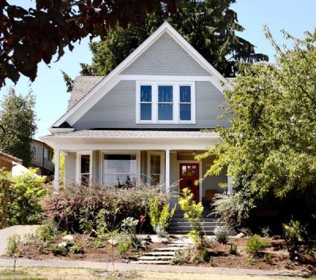 This-craftsman-house-gets-modern-touch-that-will-steal-your-attention-1