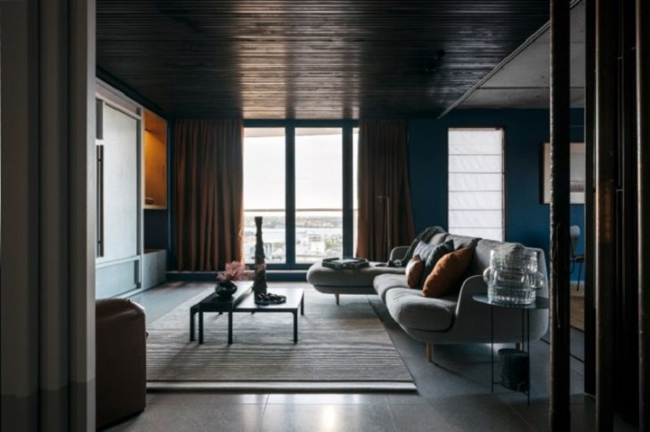 This-sophisticated-apartment-done-in-black-hues-but-truly-versatile-1