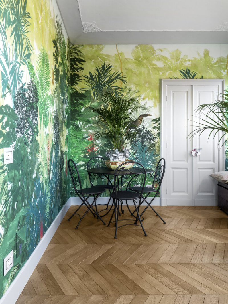 An Apartment With Gorgerous Wallpapers 2