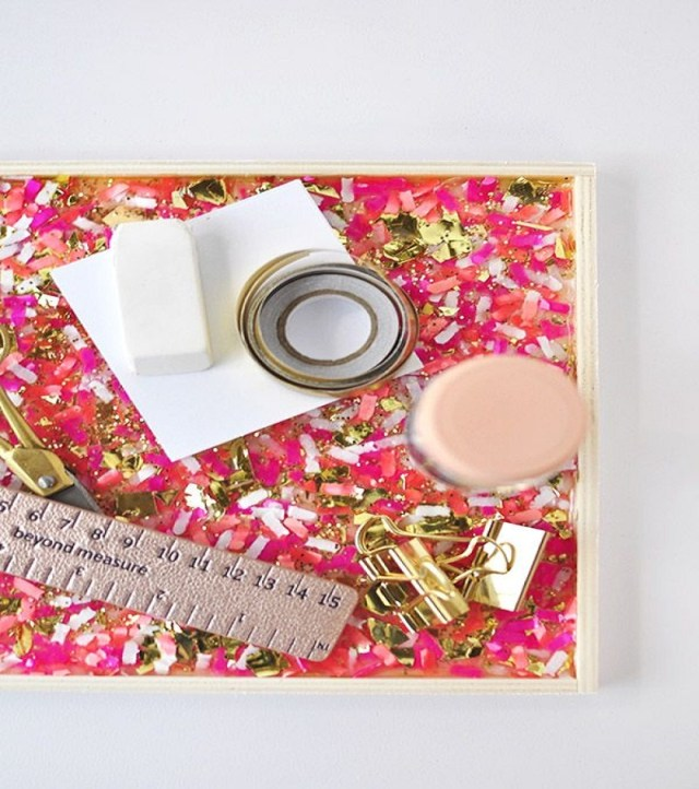 Confetti trayAffordable DIY Dorm Room Décor Ideas To Have Your New Square Feels Homey