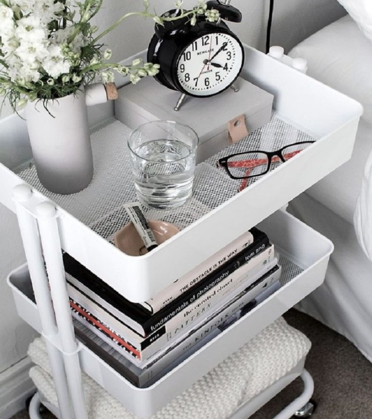 Rolling cart side table All In One Decoration Ideas To Have Everything In Your Dorm Room