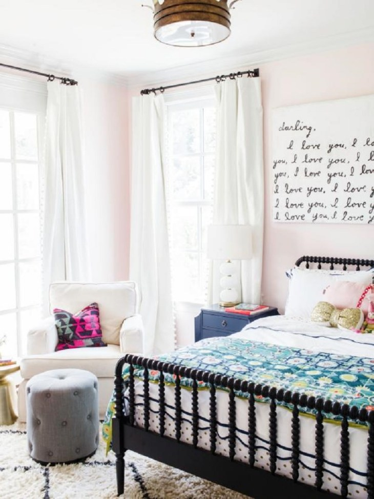 Say your love Roaring Above The Bed Decoration Ideas To Have A Fresher Look